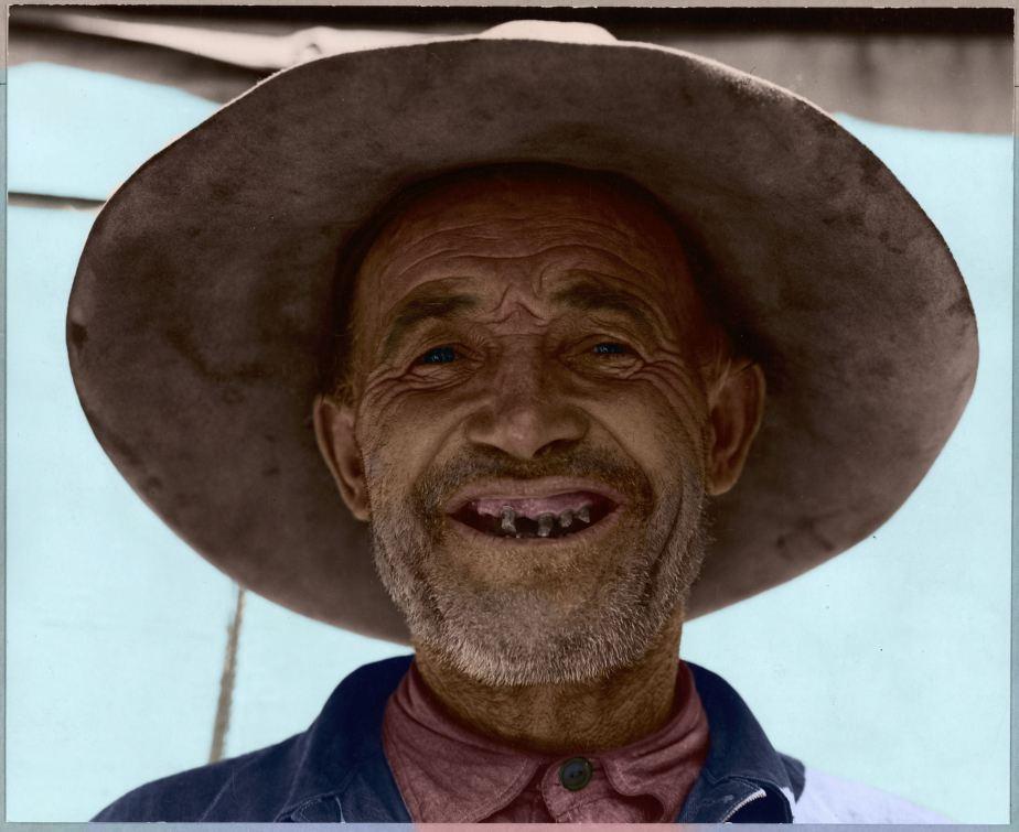 Arvin,_Kern_County,_California._Portrait_of_Oklahoma_Charlie._A_single_man_now_living_in_California._._._._-_NARA_-_521656