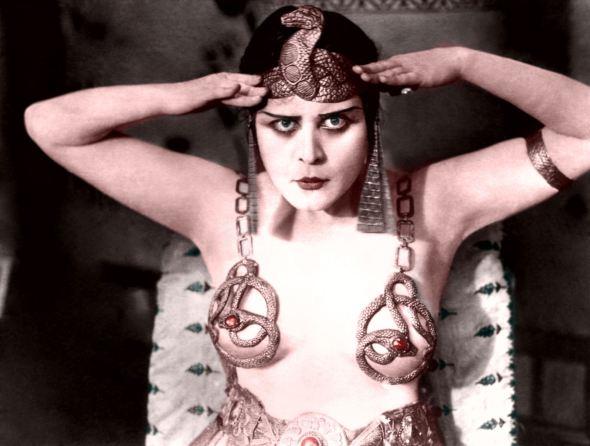 Theda Bara in 1917 movie Cleopatra