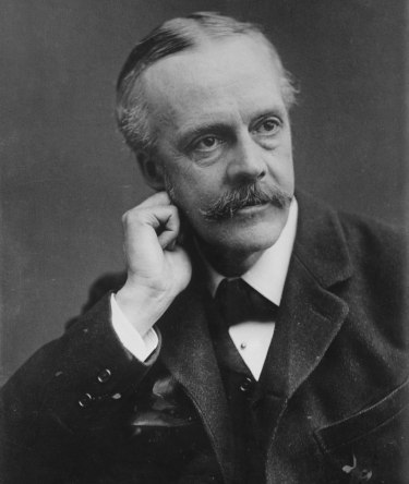Arthur_Balfour,_photo_portrait_facing_left