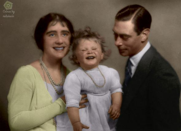 Elizabeth II with parents c1928