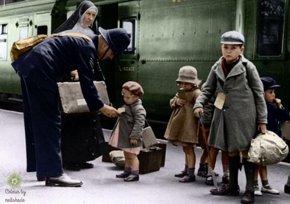 evacuees leaving London 1940