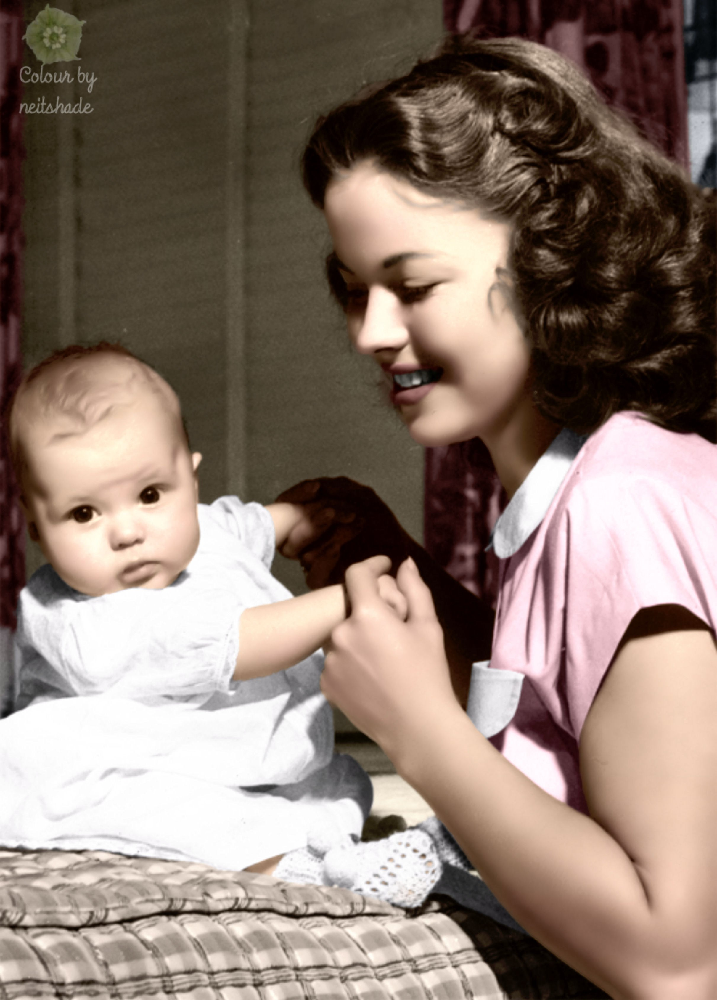 How many grandchildren does Shirley Temple have  Answers