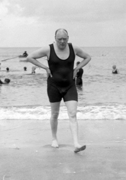 Winston Churchill in a swimsuit… 1922
