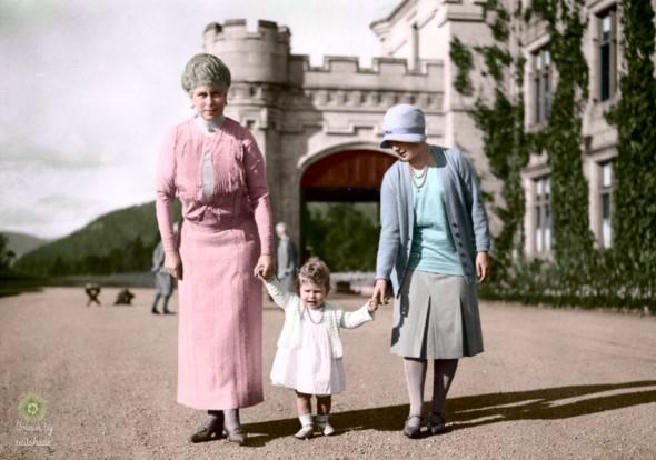 3 queens 1927 Balmoral