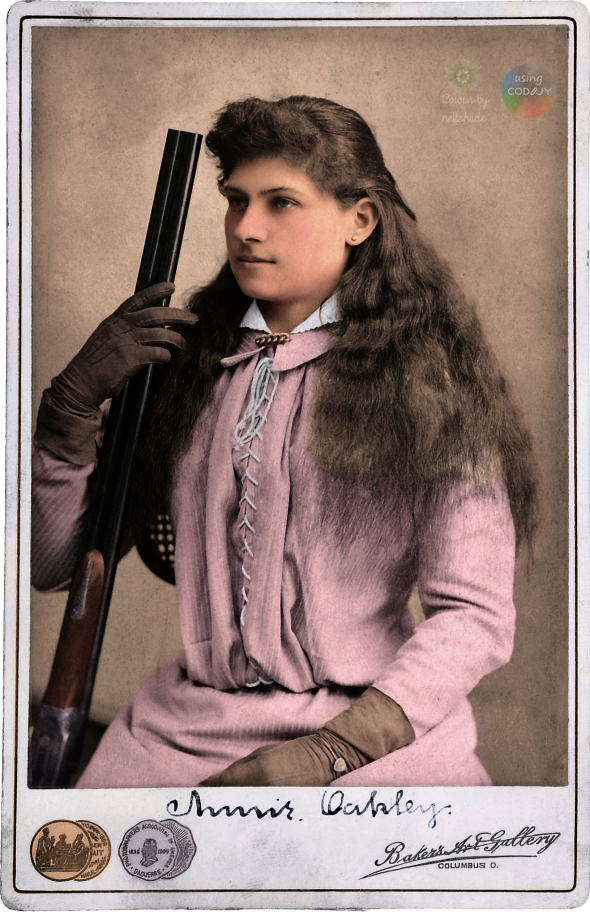 Annie_Oakley_by_Baker's_Art_Gallery_c1880s