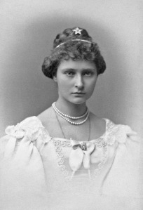 Princess_Alix_of_Hesse_1887